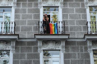 Perfil del agresor homófobo en España: hombre y menor de 30 años. El 93% de los agresores homófobos son hombres, y en el 64% de los casos son menores de 30 años, según datos del Observatorio madrileño contra la LGTBfobia. Alba Mareca | La Marea, 2017-03-17 http://www.lamarea.com/2017/03/17/agresores-homofobos-hombres-y-menores-de-30-anos/