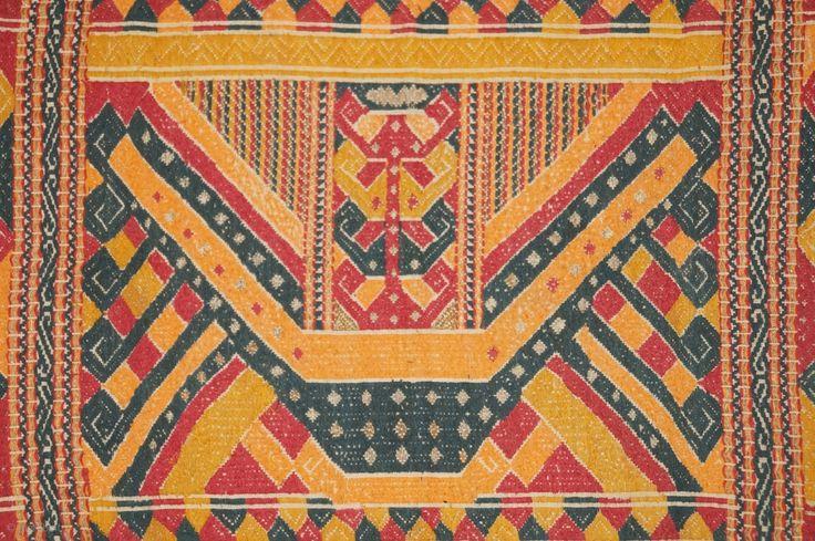 RB010 Very rare Tatibin ceremonial cloth Lampung south Sumatra ...