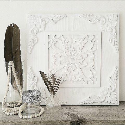 Budget tip, again: dit mooie witte ornament bij de wibra gekocht voor maar 4 euro. Is dit wat je bedoelde @anoukvrolijk? #budgettip #ornament #decoratie #decoration #interieur #woonaccessoires #interieurstyling #instahome #witwonen #bohointeriors #feathers #binnenkijken #boholiving