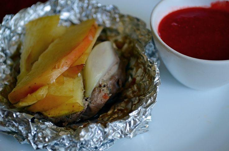Taste me! Eat me!: Grillowana wątróbka drobiowa z jabłkami i sosem ma...