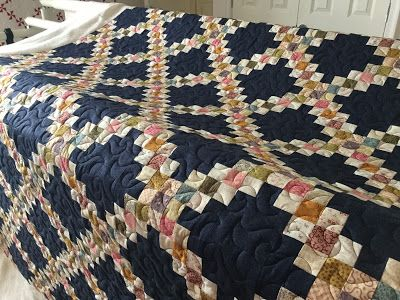 Traditional Triple Irish chain quilt by Pippa