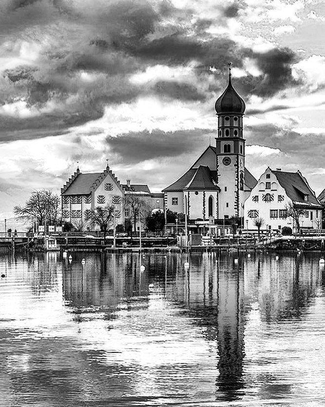 """51 Beğenme, 1 Yorum - Instagram'da Täglich ein Wort (@taglicheinwort): """"Wasserburg, Konstanz Gölü kıyısındaki üç Bavyera topluluk kentinden biridir.  Konstanz Gölü…"""""""