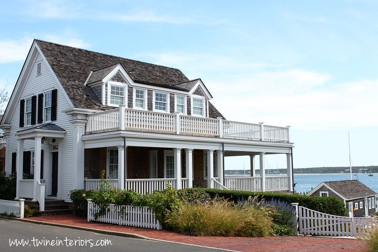 19 best images about cape cod homes on pinterest for Cape cod beach homes
