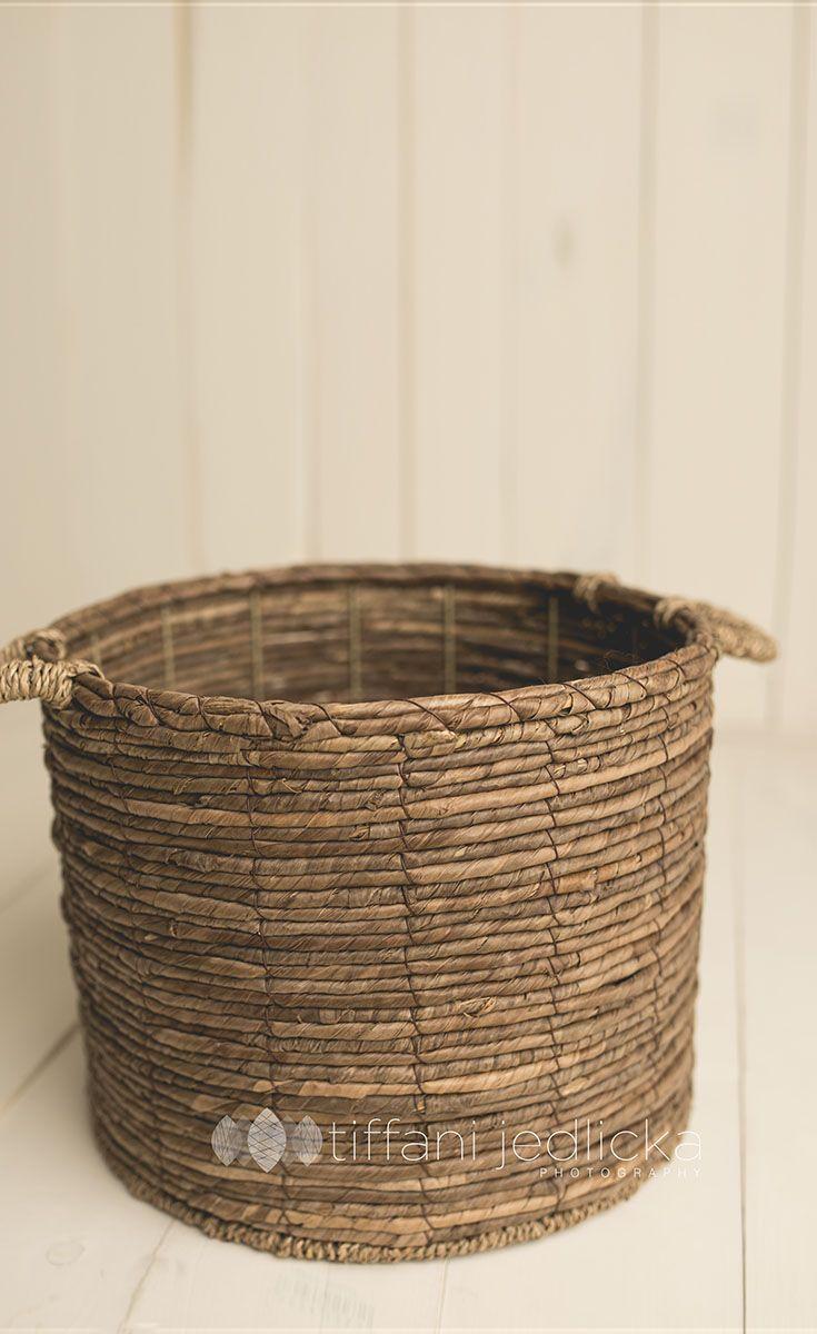 wicker basket www.tiffanijedlickaphotography.com