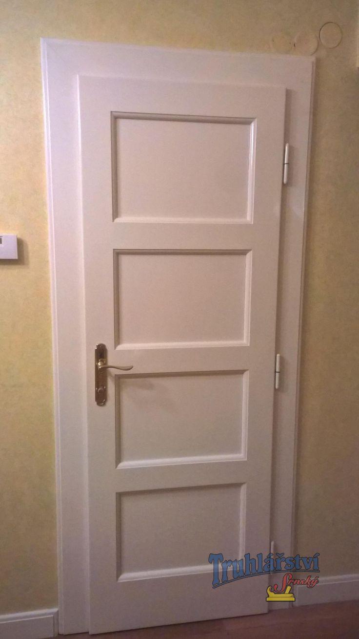 Dveře vnitřní kazetové, jednokřídlé, smrk, nátěr krycí barvou.