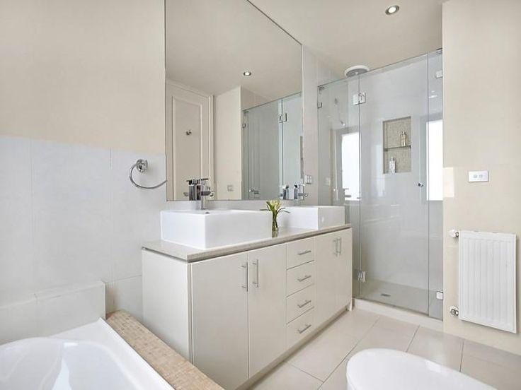 twin basin and full vanity