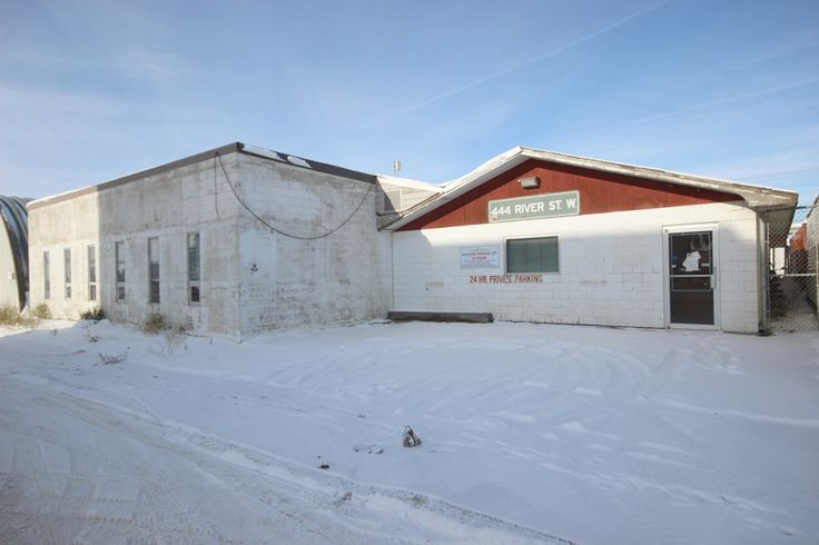 444 River St. W., Moose Jaw. Commercial/warehouse space located close to downtown Moose Jaw! Call Mike Walz at Royal LePage Landmart – (306)694-8082, or cell – (306)631-7232. OR Call Brian Walz at Royal LePage Landmart – (306)694-8082, or cell – (306)631-1229.  For More Details please visit our Website at www.royallepagelandmart.com    E-mail – landmart@sasktel.net