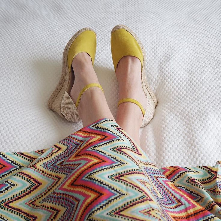 Today has been grey and wet here in Skipton. But...I made my own sunshine with these holiday essentials from @kaleidoscope_uk. My latest post for the Kaleidoscope blog is all about my capsule holiday wardrobe and will be online soon xxx . . #styleblogger #packingbyme #kaleidoscope #yellow #yellowespadrilles #espadrilles #yellow #shoes #shoelover #shoeaddict #zigzag #beachdress #zigzags