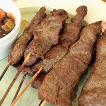Steak on a StickSteak Appetizers, Flank Steak, Teriyaki Beef, Fingers Food, Chinese Restaurants, Amazing Food, Finger Foods, Sticks Recipe, Steak On A Sticks