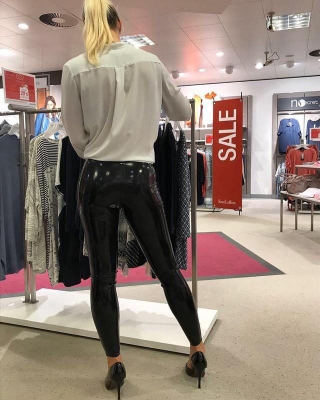 #shopping #latex #latexleggings #caual #public