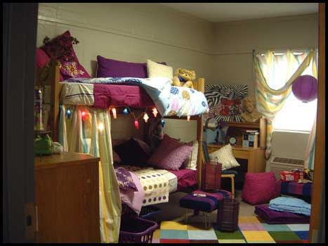 4 Ways to Make the Most of the Top Bunk in a College Dorm-- Plus: How to Make Your Bed on the Top Bunk