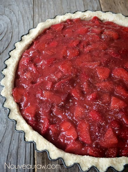 Raw-Ruby-Red-Strawberry-Rhubarb-Cream-Pie234