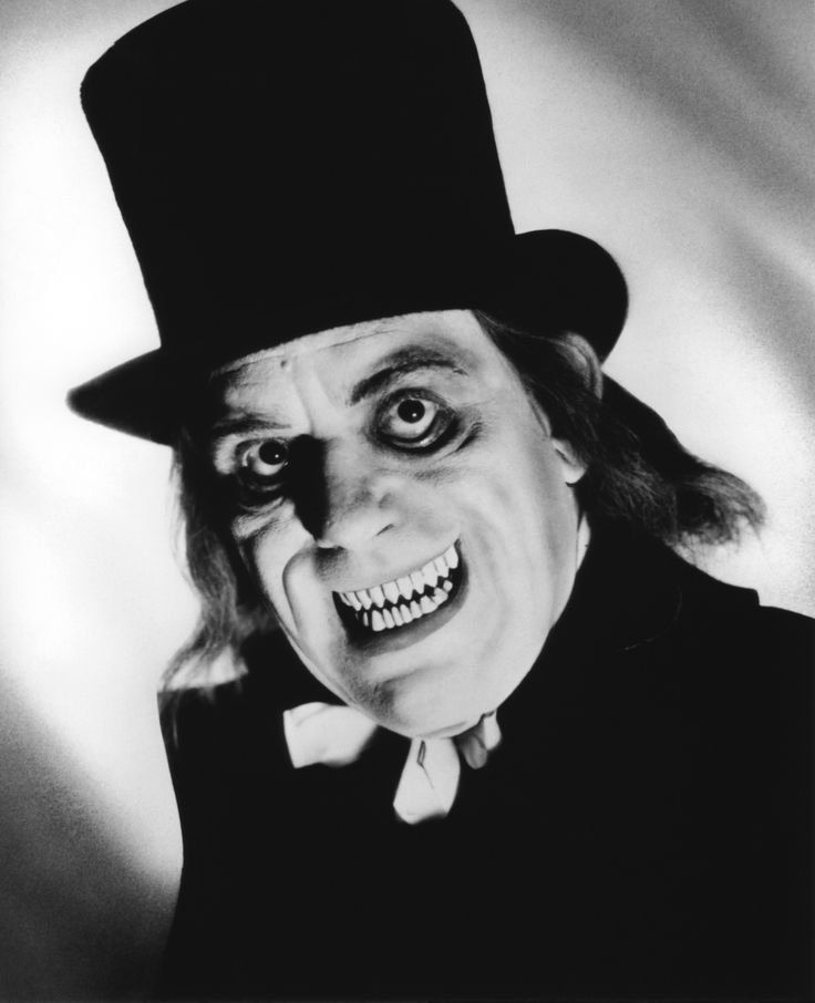 Lon Chaney in London After Midnight. Only stills exist. The film was lost.