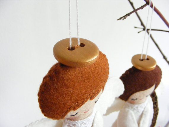 PDF pattern Felt angels. Christmas tree ornaments by iManuFatti > Love the button Halo's!