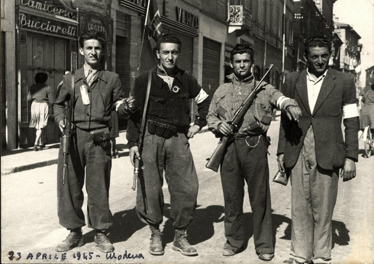 25 APRILE 1945 Modena - Italia. The City of Modena has been honored with the Golden Cross by the Italian Republic because it was liberated by the Resistance fighters (Partisans) without the help of the Allied forces.