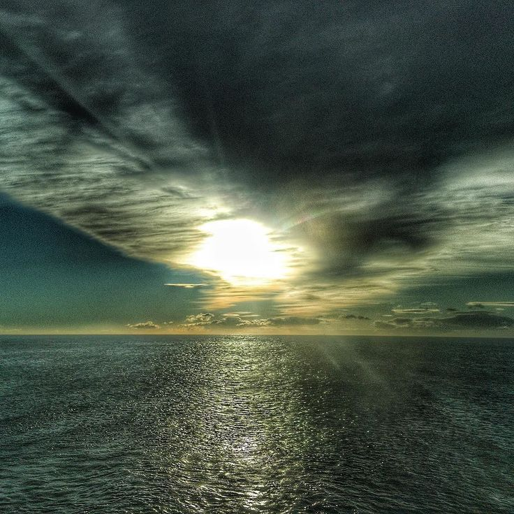 Sun & clouds. #luisjardi #luis_jardi #sfxcentral #sounds #freesounds #sounddesigner #photography #photographer #iphone6splus #apple #cubase #protools #logicprox  #daw  #zoom #zoomf8