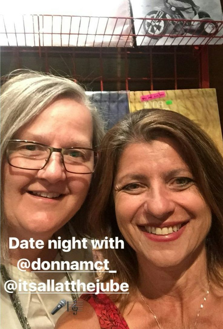 """Donna McTaggart on Twitter: """"Fun nite @Innov8ivePlanit! Thanks for sharing an evening of music with me! Kewl to find vinyl! @choirchoirchoir https://t.co/ckChO5KeXC"""""""