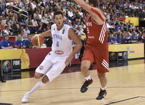 Italia eurobasket 2015, non inizia nel migliore dei modi per gli azzurri impegnati a Berlino nell'europeo di Basket, sconfitti dai turchi