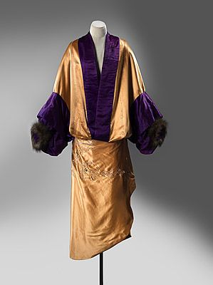 Opera Coat (image 1) | Jeanne Paquin | France | 1910 | silk, fur, cotton | National Gallery of Australia | Accession #: NGA 89.1361