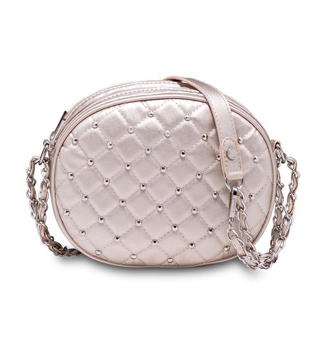 Una serata di scintillante? Minibag rotonda color platino con finitura #matelassé, #borchie e #catena! Modello Lavanda by Caleidos