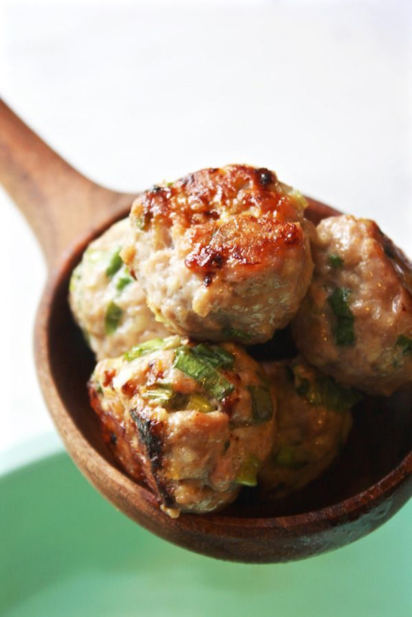 Easy, healthy appetizers: Thai Meatball Lettuce Wraps. Or Serve them for dinner using skewers instead | recipe via The Garlic Diaries