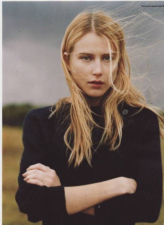 Blowing in the wind.   Hair - center part, natural wave and texture, undone.   Dree Hemingway