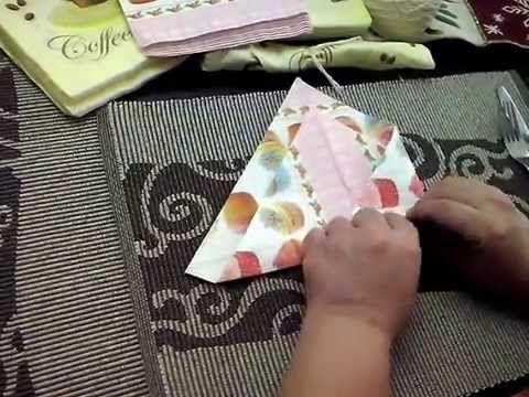 Cubiertos en un sobre de servilleta ,