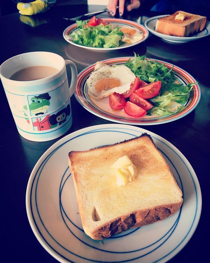 ペリカンのパン トースト&あんバタートースト&ハムサンドにして食べてみました #pelican #bread #toast #buttertoast #anko #sandwich #hamsandwich #breakfast #coffee #anpaste #torayacafe #ペリカン #ペリカンパン #トースト #あんバター #あんバタートースト #小倉バター #小倉バタートースト #ハムサンド #サンドイッチ #朝ごパン #あんペースト #チョコレートとプラリネノワゼット #虎屋カフェ #パン #食パン # #珈琲 #コーヒー #おうち朝食