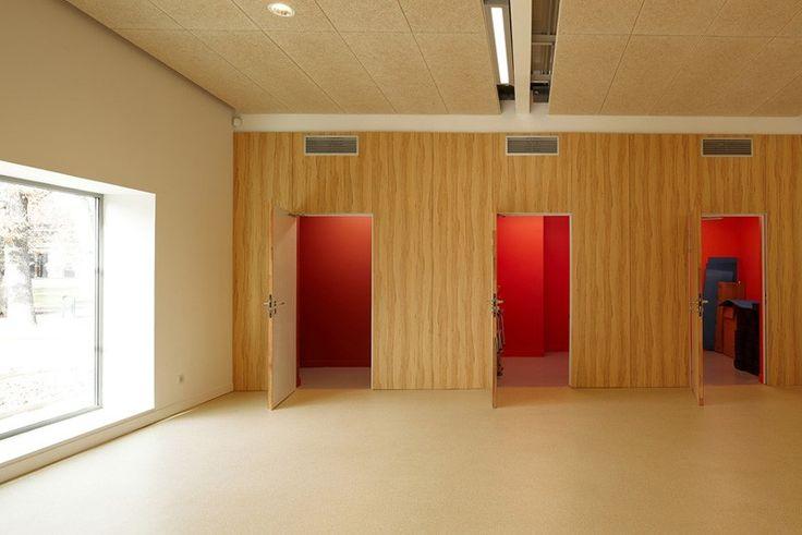 Prix architecture Midi-Pyrénées 2011. Architectes Toulouse, Isabelle Paoli architecte est une agence d'architecture situé à Toulouse. Projets d'équipements publics, (écoles, collèges, gymnases, lycées), industrie, bureaux, maisons individuelles, urbanisme.