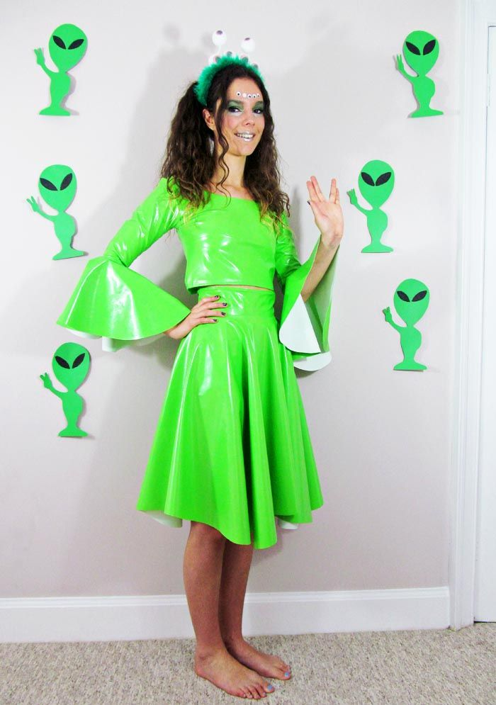 DIY Alien Costume! Rap my green dress in duck tape for affect maybe a silver  sc 1 st  Pinterest & The 78 best Celebration images on Pinterest | Carnival Costumes and ...