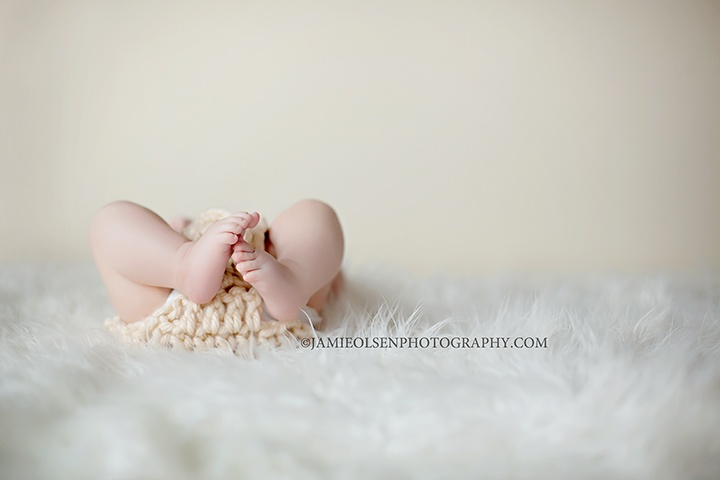 to show growth of her feet from newborn photos