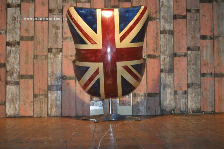 Andrew Martin Hirshorn Union Jack Chair - Old English,  Yorkshire UK - +44 (0)1302 714414
