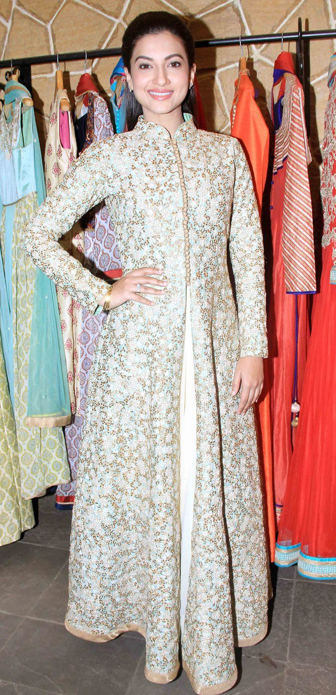 Gauahar (Gauhar) Khan at the festive collection preview of a major fashion label. #Bollywood #Fashion #Style #Beauty
