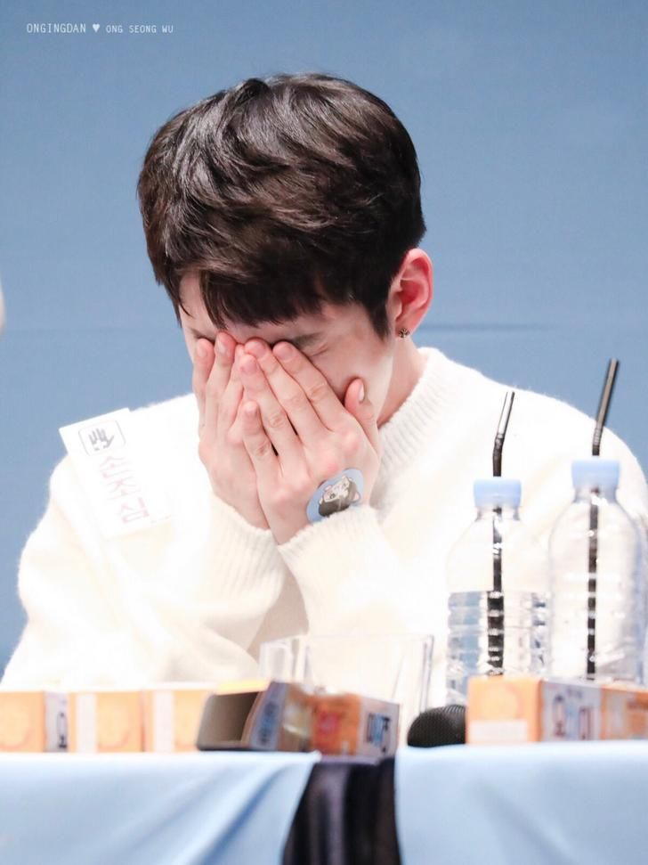 [HQ][180111] SEONWGU @YO-HI Fansign Venue -
