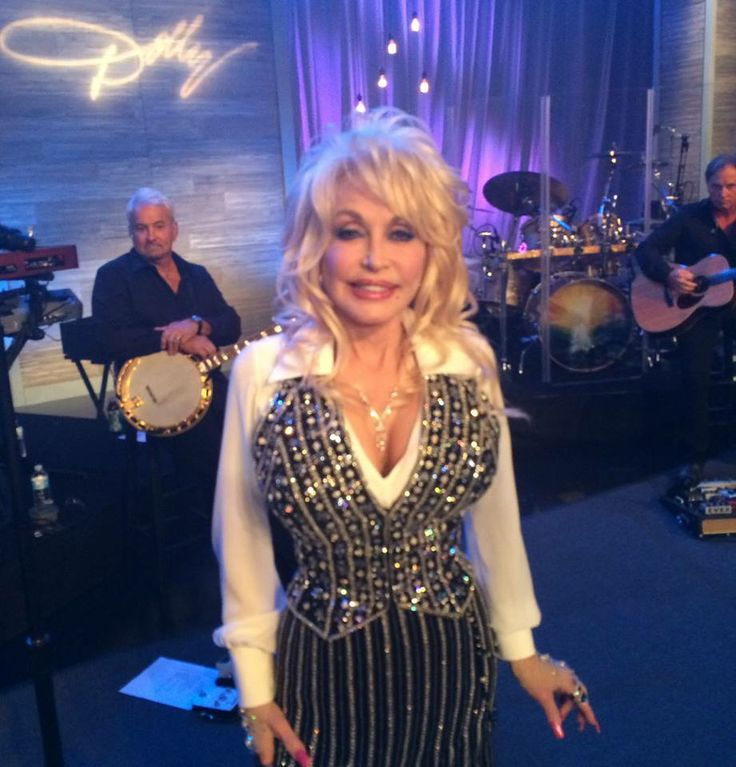 Oh Dolly Parton, we <3  you! Grab her new album #BlueSmoke right here > http://qvc.co/BlueSmoke  Don't miss Dolly's LIVE show on the Q starting at 7pm ET!   http://www.qvc.com/webapp/wcs/stores/servlet/LiveShowDisplay?storeId=10251