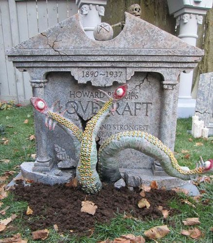 A Haunted Halloween - Projects: H.P.Lovecraft Tombstone