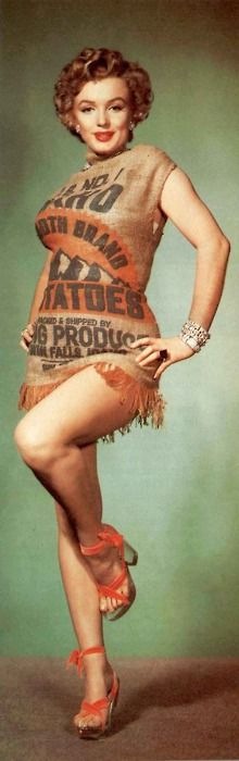 """Rare Marilyn Monroe in a potato sack by Earl Theisen 1952 - she looks amazing even in a burlap sack! """"strike a pose"""""""