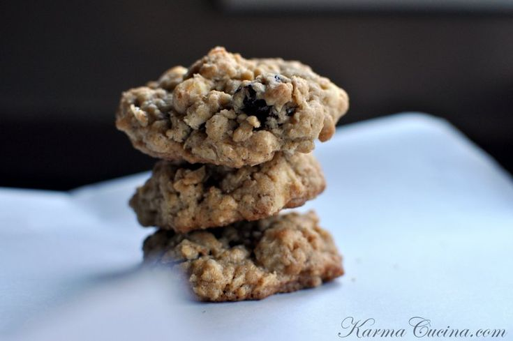 chewy white chocolate cherry pecan oatmeal cookies