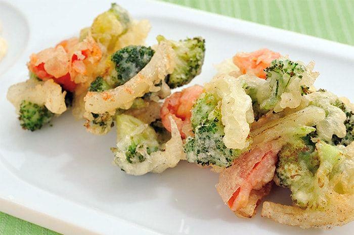 Haz tu mismo el más rico mix de vegetales o verduras en tempura, receta apta totalmente para veganos, con ingredientes fáciles de conseguir.