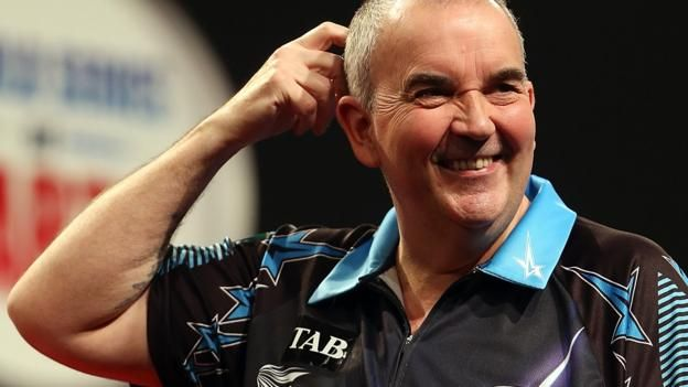 Champions League of Darts: Phil Taylor thrashes Michael van Gerwen to reach semis - BBC Sport
