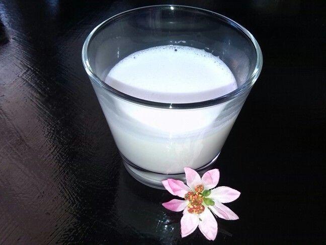 Mandlové mléko 100 ml = 450 kJ / 107 kcal