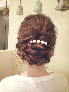 【RELASIS】波ウェーブゆるアップ¥2,500 - 24時間いつでもWEB予約OK!ヘアスタイル10万点以上掲載!お気に入りの髪型、人気のヘアスタイルを探すならKirei Style[キレイスタイル]で。