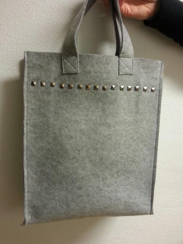 Vilten tas gemaakt door Lynn.