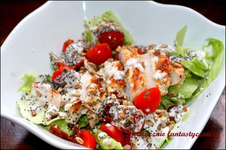 Sałatka, chia, kurczak | Blog dietetyczny, kulinarny, zdrowe odżywianie, dietetyczne, przepisy dietetyczne, potrawy dietetyczne