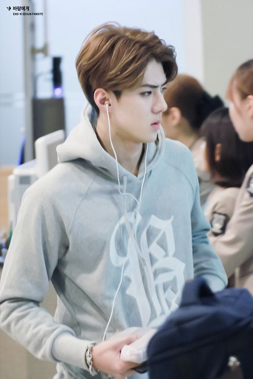 Sehun | 141019 Gimpo Airport departing for Busan