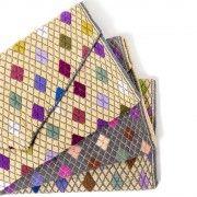 Unsere wunderschönen handgewebten Envelope-Clutches aus Mexiko gibt es in verschiedenen Farbkombinationen. Es lohnt sich also, ein wenig zu stöbern. #hummelundwolf #fairtrade #mexico #chamuchic #fairemode #faireaccessoires #accessoiresmitgeschichte #handmadewithlove #handgemacht #clutch