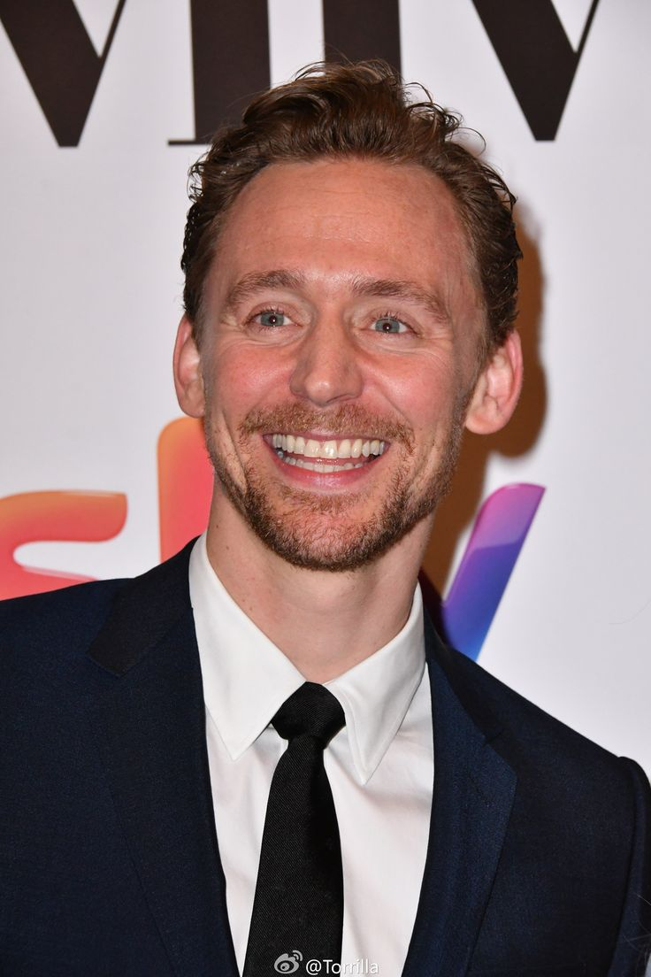 Tom Hiddleston at the Women in Film and TV Awards at the Hilton Hotel, London 2.12. 2016 From http://tw.weibo.com/torilla/4048417409644662