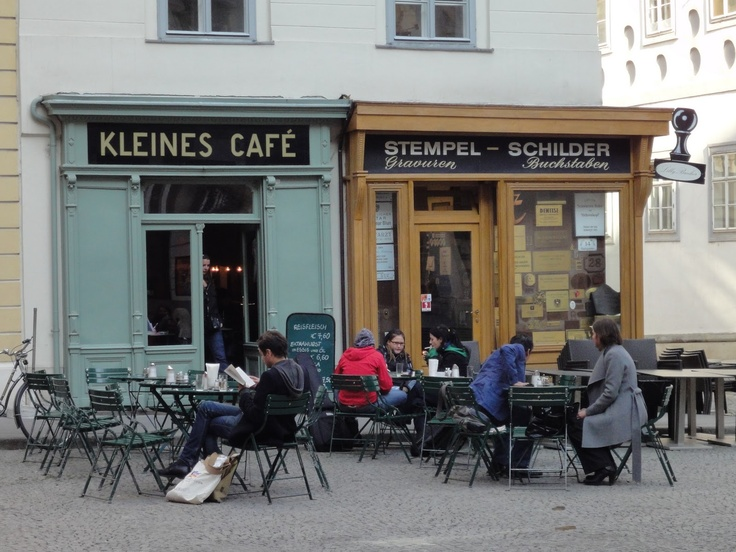 M40's Aegean Adventure - Powered by M40 the Secret Agent Beagle 間諜米格魯的愛琴海探險日記: Cafes of Vienna: Kleines Cafe