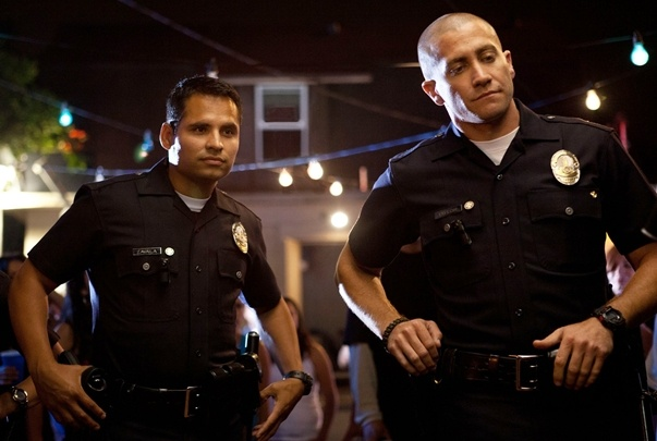 Jake Gyllenhaal and Michael Peña as Brian Taylor & Mike Zavala in End of Watch (2012)