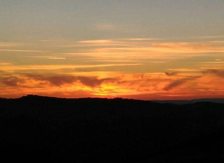La Toscana ti saluta così #sunset #chianti #nofilter #tuscany #italy (presso Castellina in Chianti)